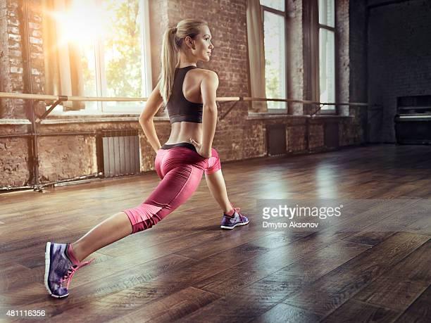 Junge Frau fitness-training