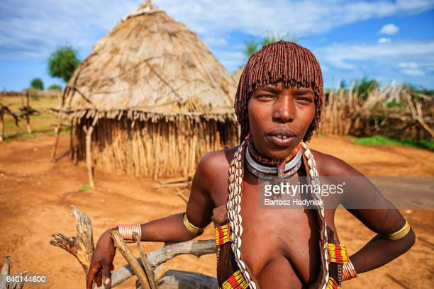 young woman from hamer tribe, ethiopia, africa - hamer tribe stock pictures, royalty-free photos & images
