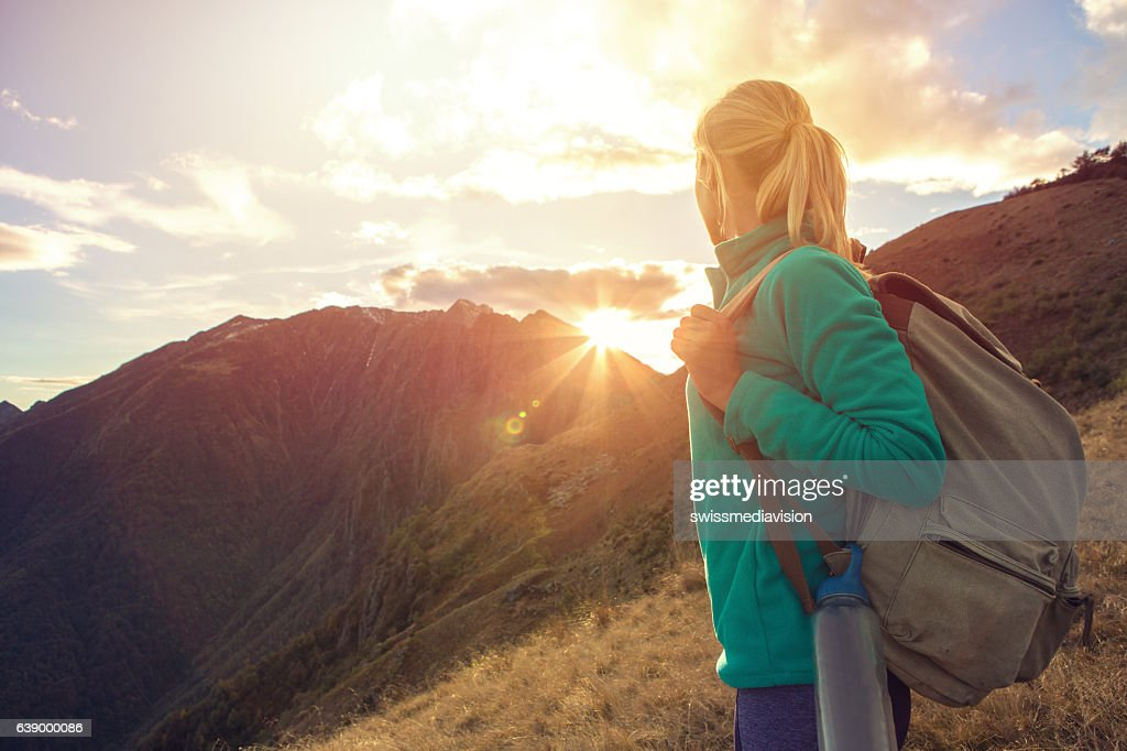 Young woman hiking in Autumn, Switzerland : Stock-Foto