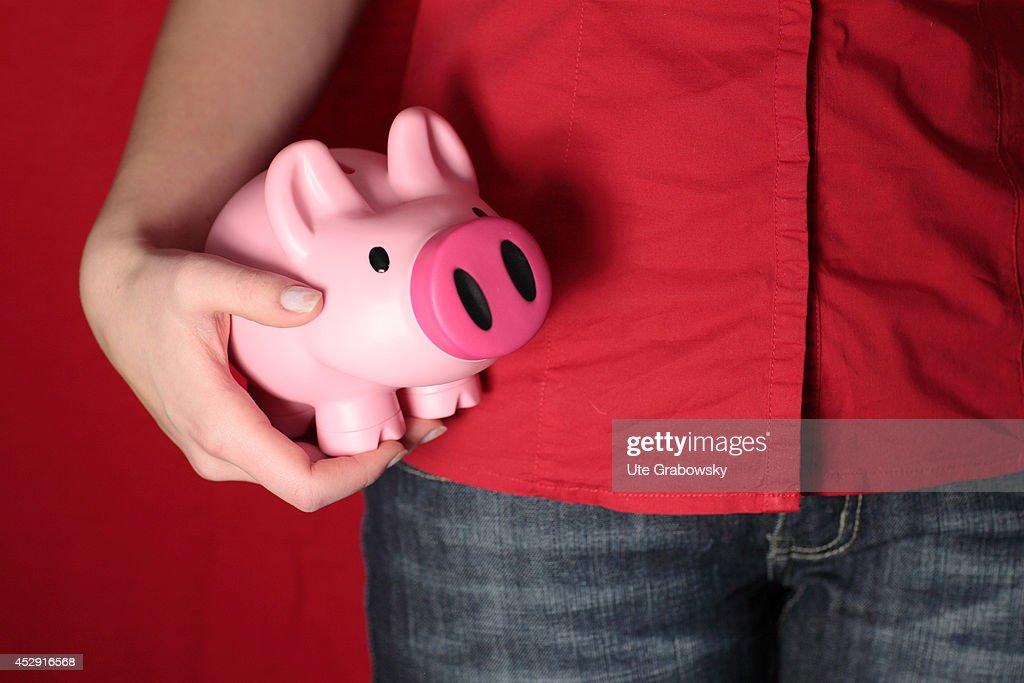 Pink Piggy Bank : ニュース写真