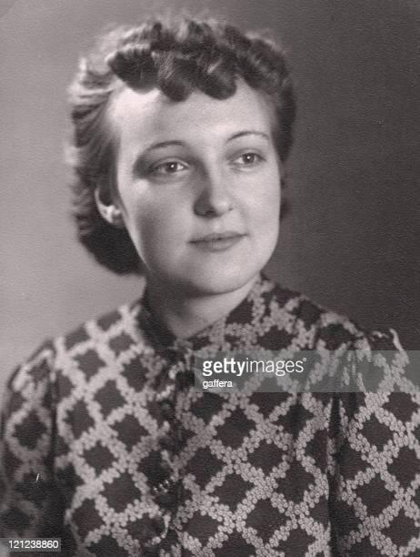 Mujer joven en 1940