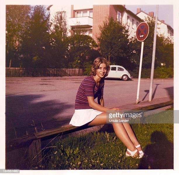 young woman in evening sun - archivmaterial fotos stock-fotos und bilder