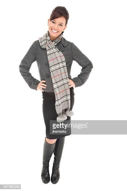 Joven mujer chaqueta gris y bufanda
