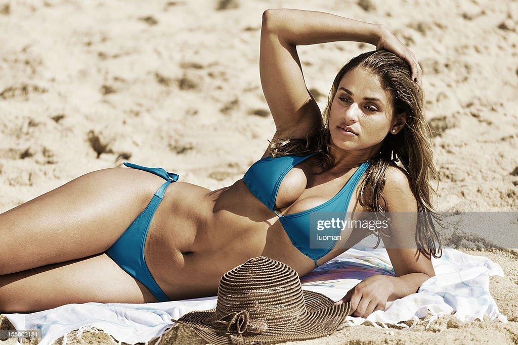 Junge Frau in die beach : Stock-Foto