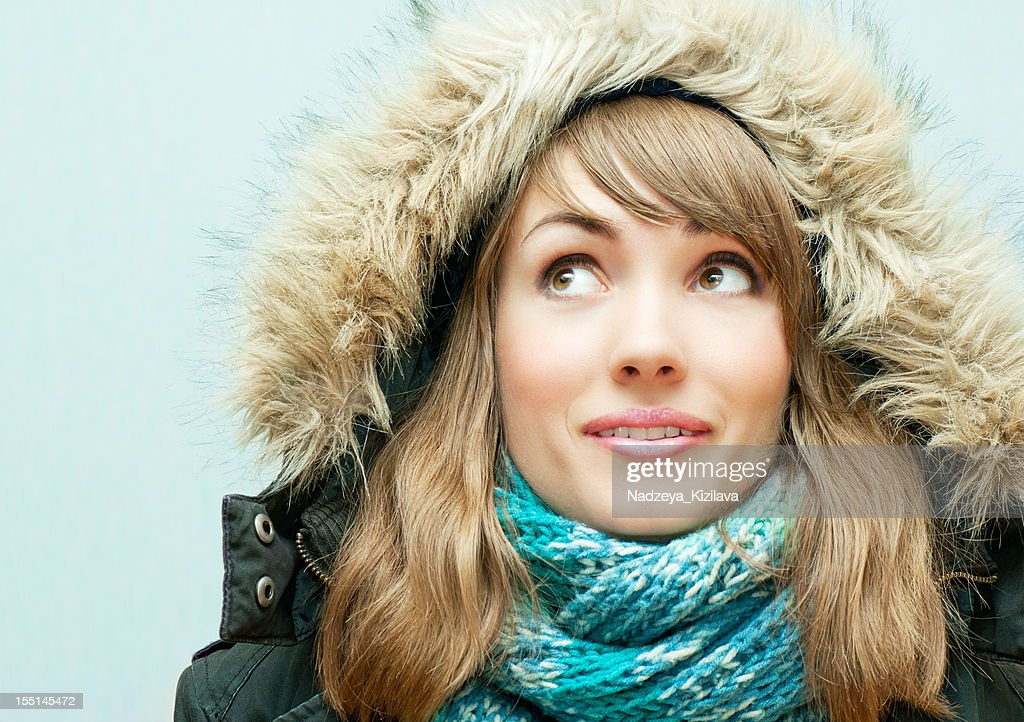 Young woman in winter clothes : Stock Photo