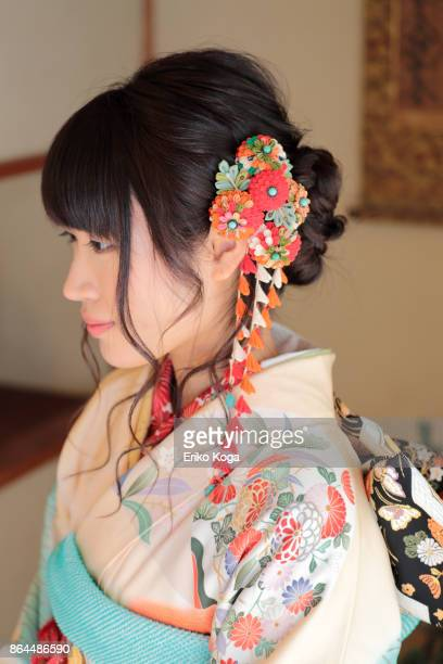 young woman of coming‐of‐age ceremony in japanese style room - seijin no hi stock pictures, royalty-free photos & images