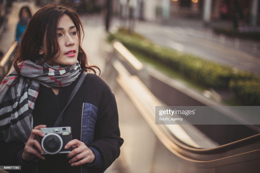 若い女性の写真 : ストックフォト