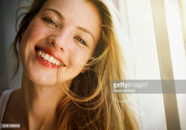 young woman - mulher bonita imagens e fotografias de stock