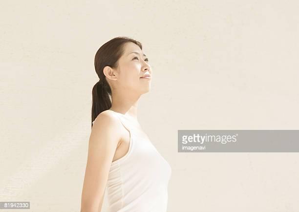a young woman - cami fotografías e imágenes de stock