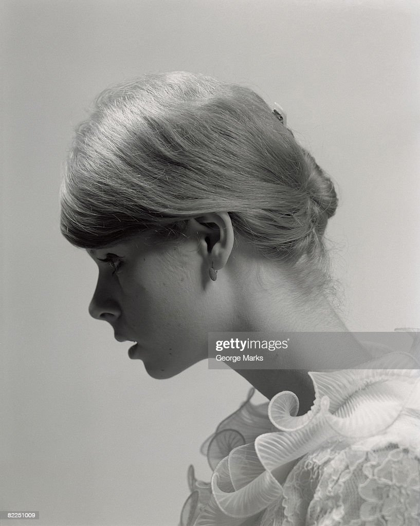 Young woman, profile : Stock Photo