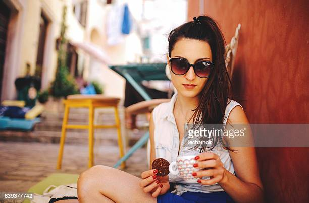Young woman relaxing in the cafe