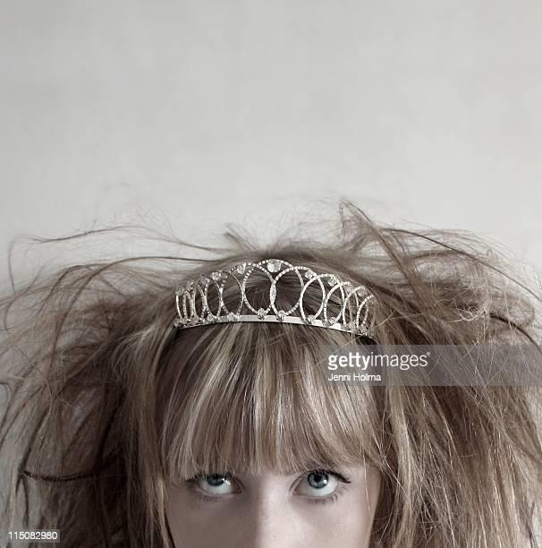 young woman wearing tiara - tiara stock pictures, royalty-free photos & images