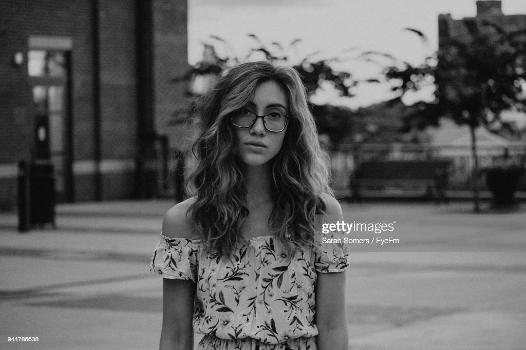 Young Woman With Eyeglasses : Foto de stock