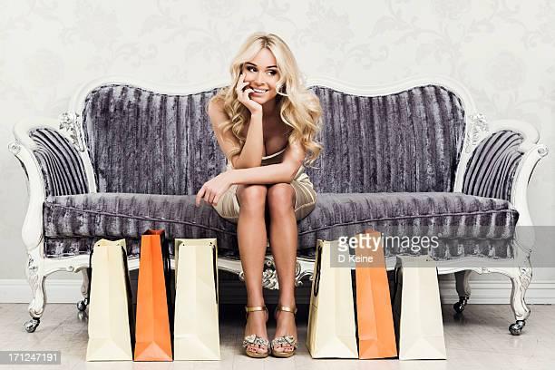 若い女性、ショッピングバッグ