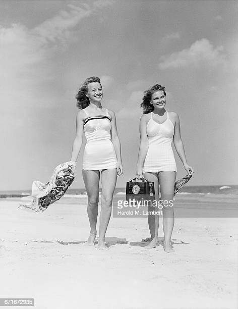young women at the beach - number of people stock pictures, royalty-free photos & images