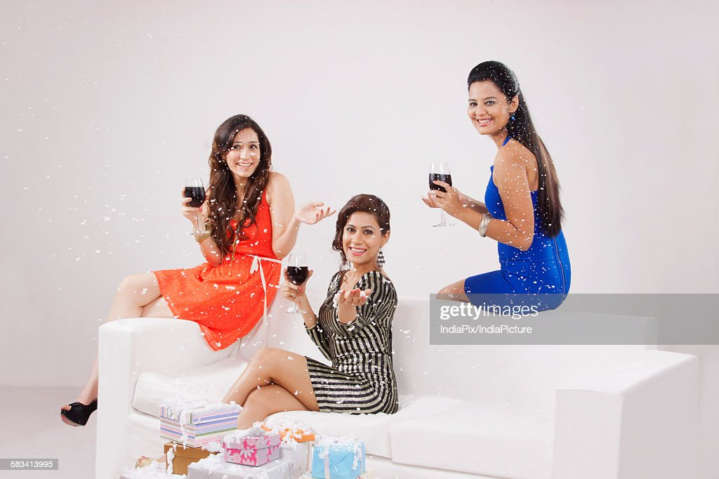 Young women celebrating : Stock Photo