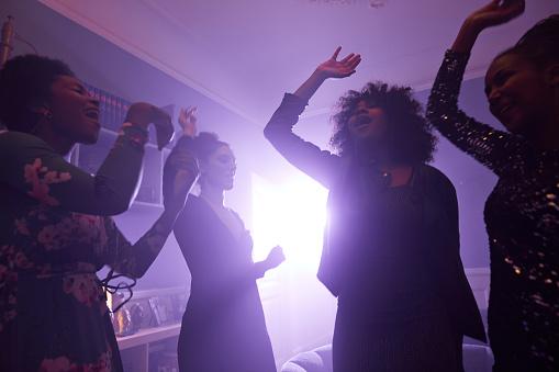 Young women making selfie while dancing - gettyimageskorea