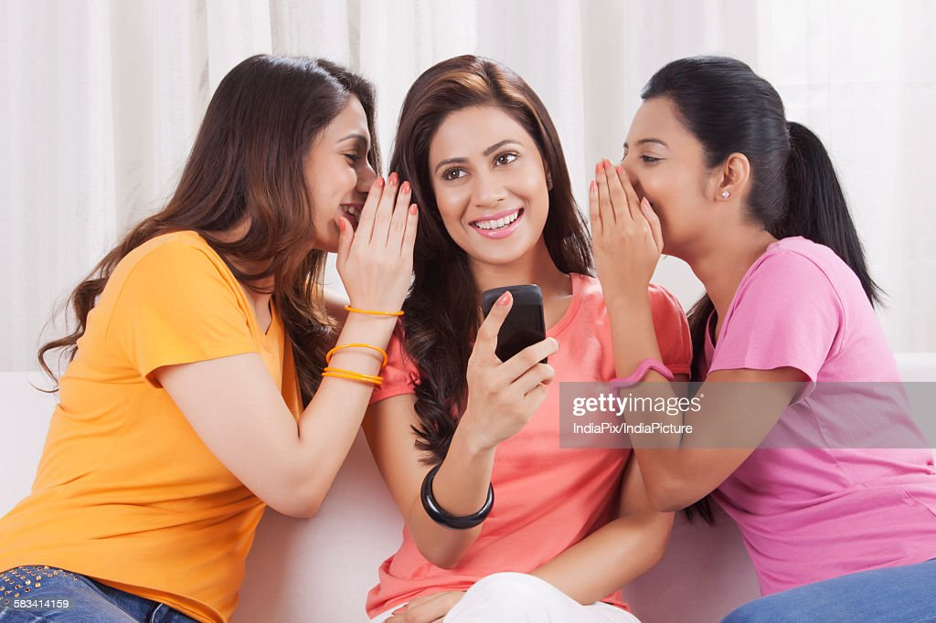 Young women spending leisure time together : Stock Photo