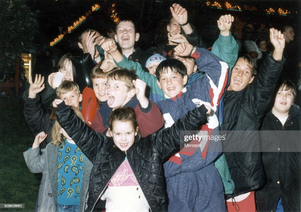 Youngsters Salute Manchester 2000 Olympic Bid Hopes At Piccadilly News Photo Getty Images
