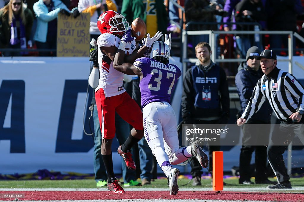 NCAA FOOTBALL: JAN 07 FCS National Championship - James Madison v Youngstown State : News Photo