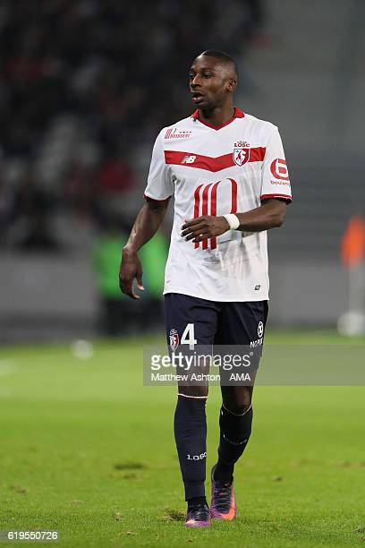 Younousse Sankhare of Lille OSC during the French Ligue 1 match between Lille and Paris Saint Germain at Stade PierreMauroy on October 28 2016 in...