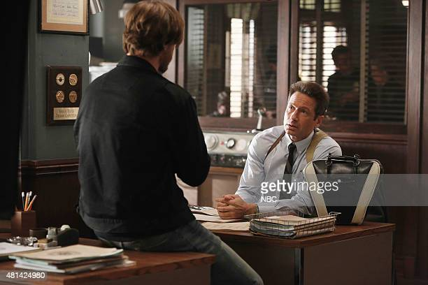 AQUARIUS Your Mother Should Know Episode 111 Pictured Grey Damon as Brian Shafe David Duchovny as Sam Hodiak