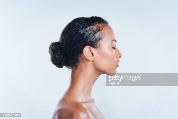 your skin is a big part of who you are - beleza natural imagens e fotografias de stock
