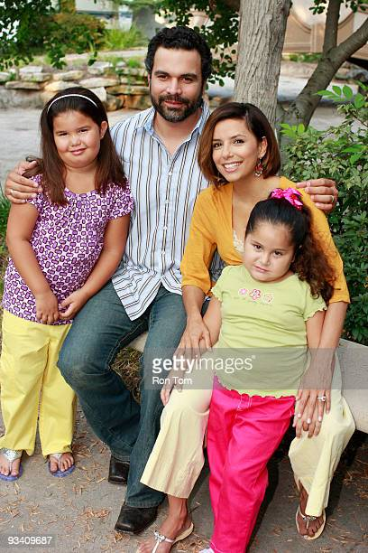 HOUSEWIVES 'You're Gonna Love Tomorrow' Madison de la Garza Ricardo Antonio Chavira Eva Longoria Parker and Daniella Baltodano on the set of...