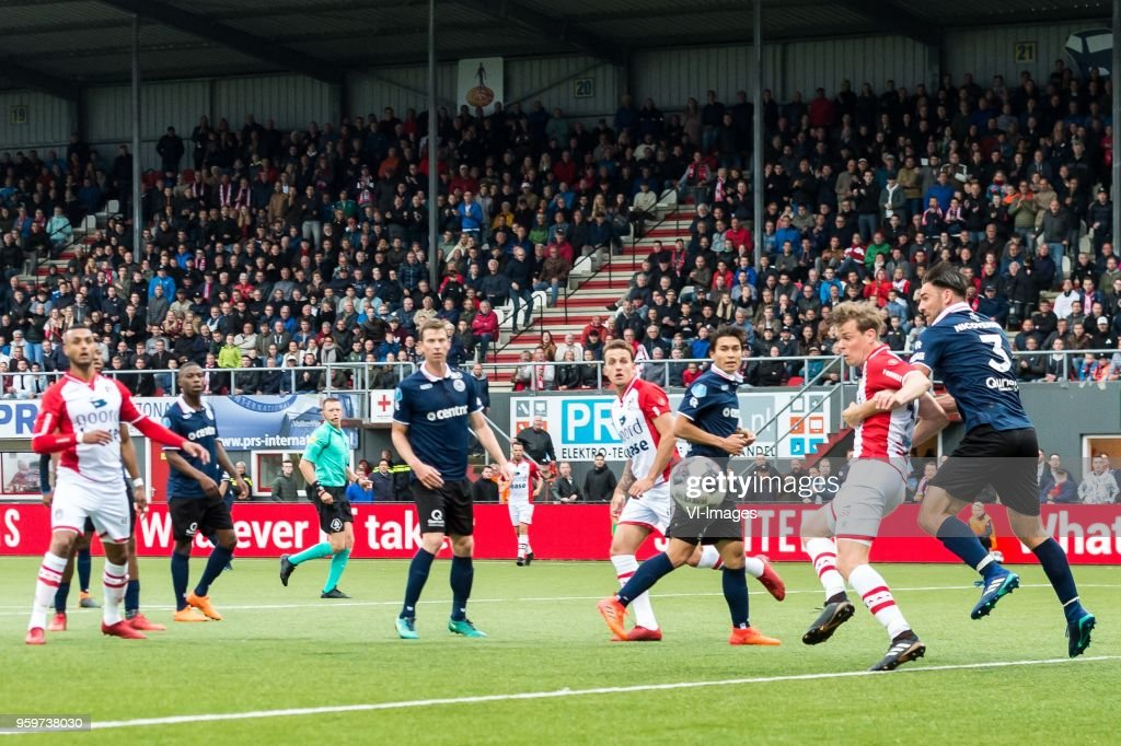 Youri Loen of FC Emmen, Sander Fischer of Sparta Rotterdam during the Dutch Jupiler League play-offs final match between FC Emmen and Sparta Rotterdam at the JenS Vesting on May 17, 2018 in Emmen, The Netherlands