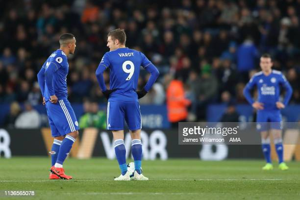 Youri Tielemans and Jamie Vardy of Leicester City dejected after Ayoze Perez of Newcastle United scored a goal to make it 10 during the Premier...