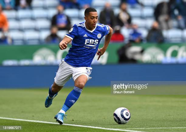 Youri Tielemans of Leicester City runs with the ball during the Premier League match between Leicester City and Tottenham Hotspur at The King Power...