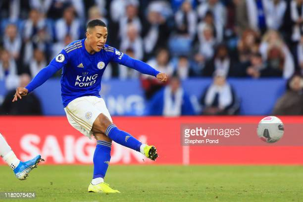 Youri Tielemans of Leicester City scores his team's second goal during the Premier League match between Leicester City and Burnley FC at The King...