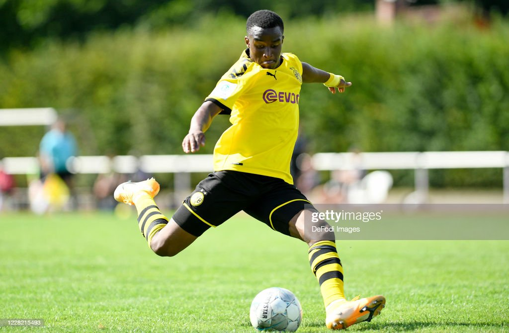 Borussia Dortmund U19 v Hannover 96 U19 : News Photo