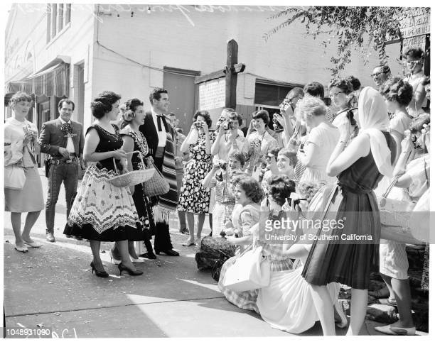 Youth Ambassadors 21 June 1961 38 High School students from 22 schools in Oregon and WashingtonCaption slip reads 'Photographer Lapp Date Reporter...