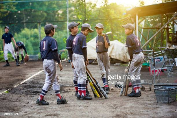 youth baseball players, teammates - baseball uniform stock pictures, royalty-free photos & images