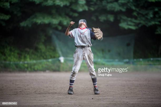youth baseball players,defensive practice - baseball sport stock pictures, royalty-free photos & images