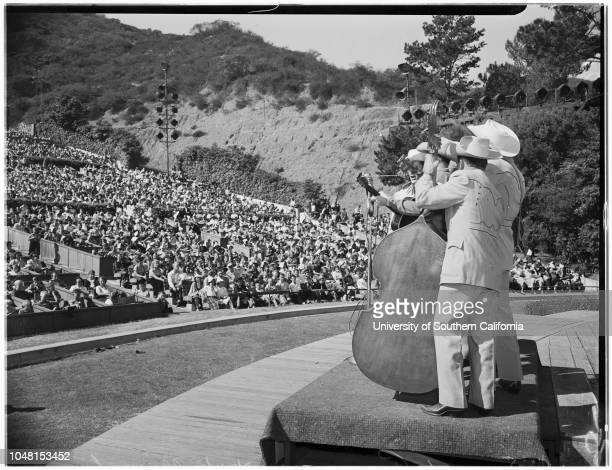 Youth Day, Hollywood Bowl, 3 November 1951. Charles Stark -- 14 years;Mike Edgley -- 14 years;Donna Reed;Anna Hackler -- 16 years;Donna Kean -- 15...