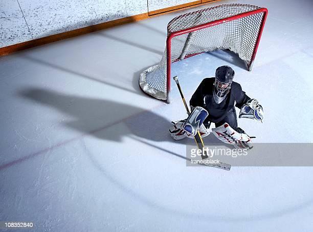 youth hockey goalie - doelman ijshockeyer stockfoto's en -beelden
