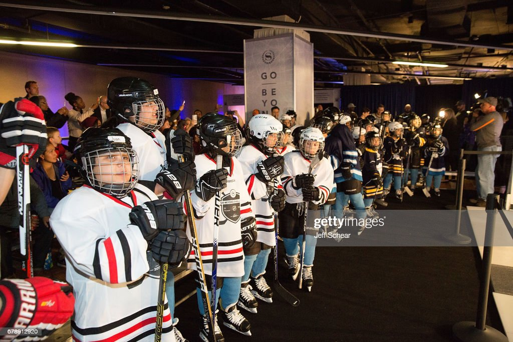 Youth hockey players attend Sheraton Hotels & Resorts Host
