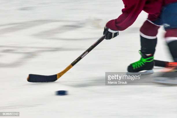 youth  playing hockey - hockey stick stock pictures, royalty-free photos & images