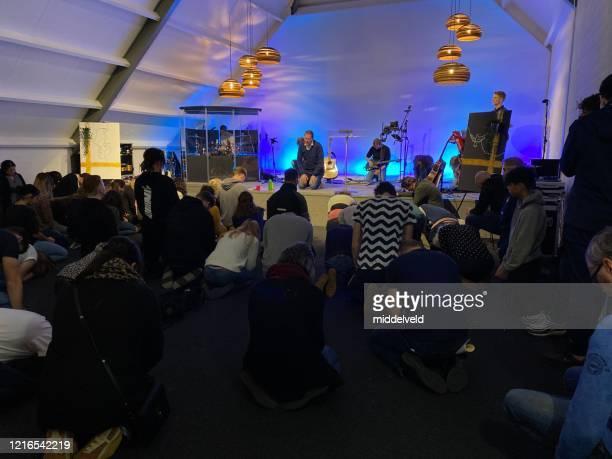 青少年礼拝コンサート - ミサ ストックフォトと画像