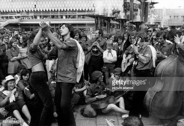 Youths dancing on 29th July 1973 on Alexanderplatz in East Berlin in occasion of the 10th world festivals of the youth and students.   usage worldwide