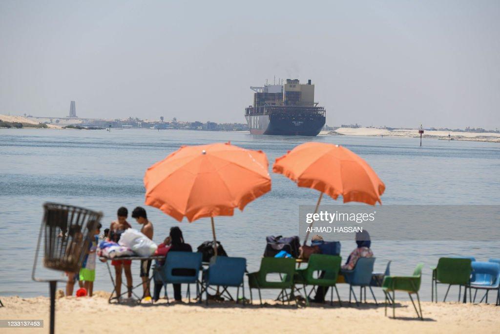 TOPSHOT-EGYPT-ECONOMY-TRANSPORT : Foto di attualità