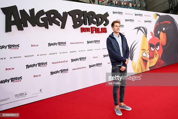 Youtube star ConCrafter attends the Berlin premiere of the film 'Angry Birds Der Film' at CineStar on May 1 2016 in Berlin Germany