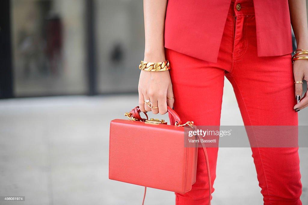 Street Style - Paris Fashion Week, Womenswear S/S 2015 : September 24th : News Photo