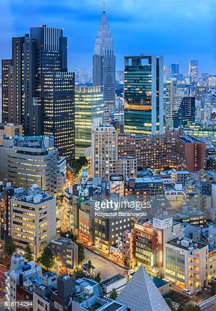 yoyogi cityscape at dusk - yoyogi tokyo stock photos and pictures