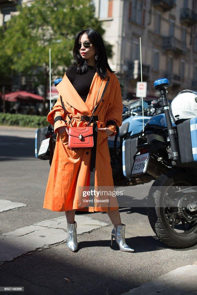 Street Style: September 21 - Milan Fashion Week Spring/Summer 2018 : News Photo