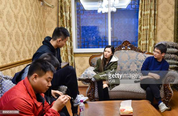 Yu Linghan discuss match strategy with her teammates on December 24 2017 in Chengdu Sichuan Province of China 20yearold Chinese girl Yu Linghan...