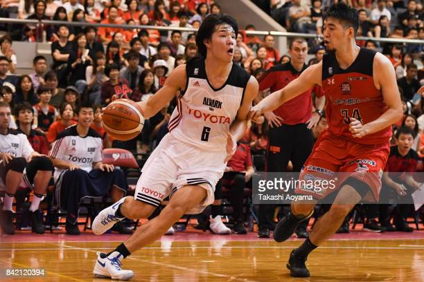 Yudai Baba of the Alvark Tokyo drives to the basket during the BLeague Kanto Early Cup final between Alvark Tokyo and Chiba Jets at Funabashi Arena...