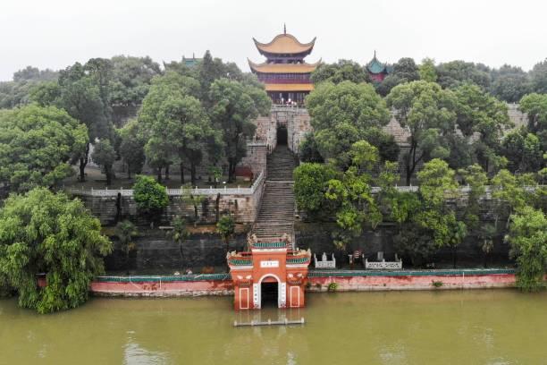 CHN: Dongting Lake Surpasses Warning Water Level